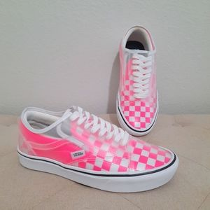 VANS Checkerboard ComfyCush Slip-Skool | Pink